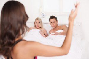 Cách tìm bằng chứng chồng ngoại tình