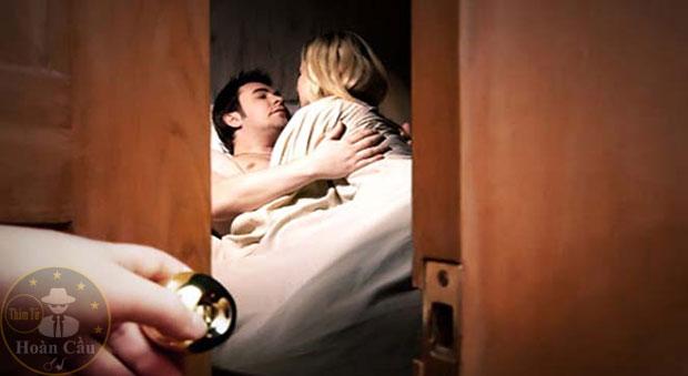 Đàn ông nên làm gì khi phát hiện vợ mình ngoại tình?