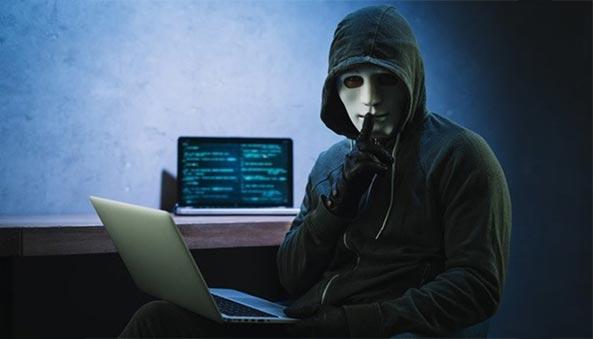 Thuê dịch vụ hack Zalo Facebook bị lừa đảo tiền